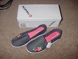 GIRLS AIRWALK TENNIS SHOES SNEAKERS NEW WITH BOX DREAM SIZE