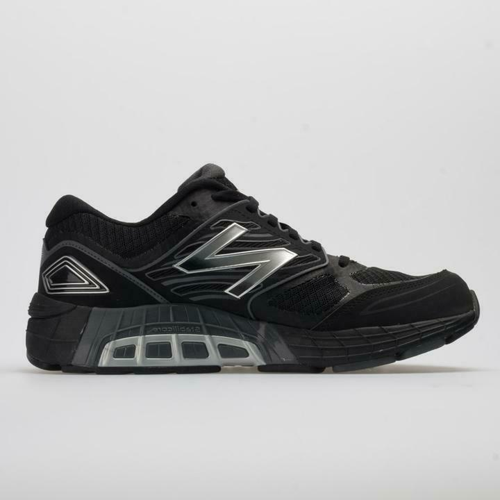New 1340v3 Mens 10.5 Black & Grey $140