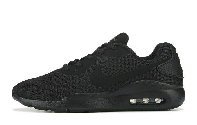 air max oketo mens triple black sneakers