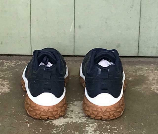 Champion Dub Sneaker Shoes, Size 6,