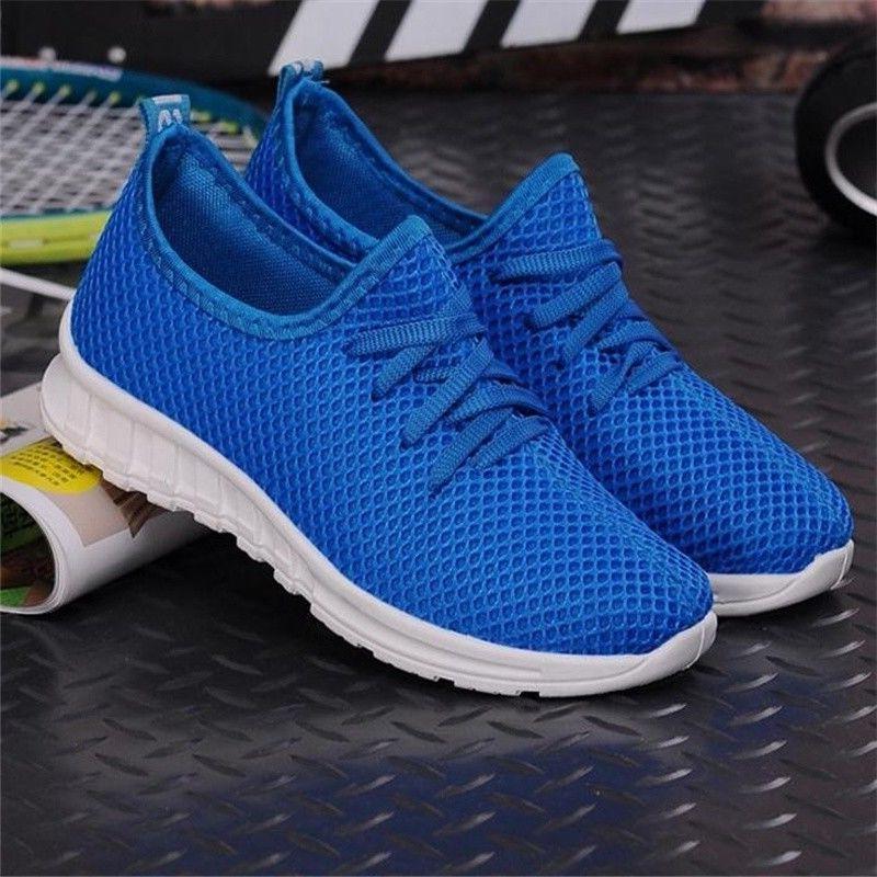 Women's size 9 platform sneakers shoes flat