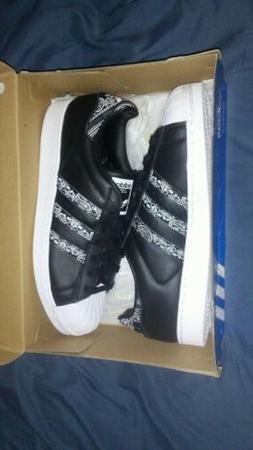 men shell toe sneakers 11