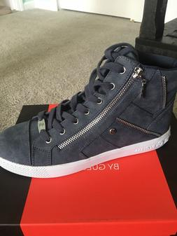 womans guess sneakers