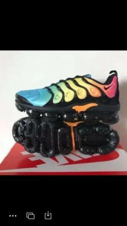 Womens Nike Air Vapormax Plus  Size 5-10